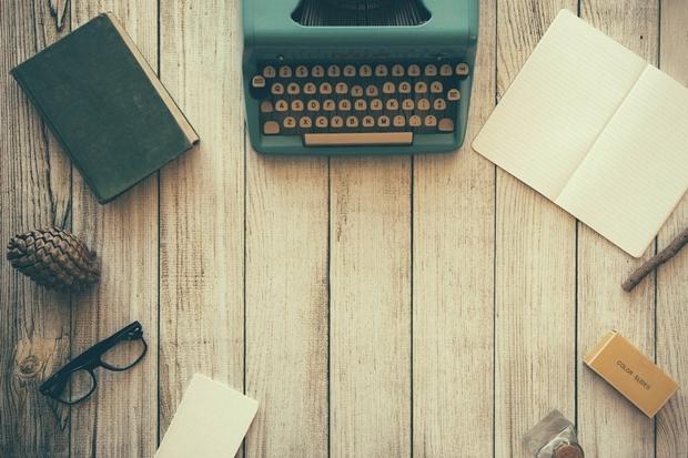 Escritora democratiza tecnologia e dá voz às mulheres