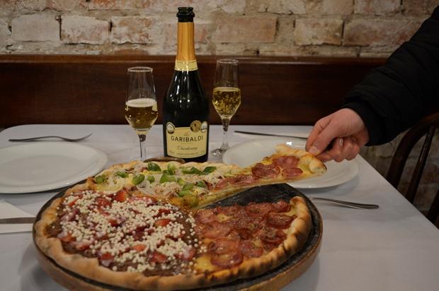 Dia da Pizza: data pede acompanhamento de um bom vinho ou espumante