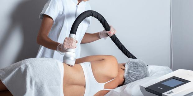 Três tratamentos estéticos lideram a procura nas clínicas para redução da gordura localizada