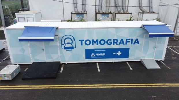 Container climatizado é usado como sala móvel para exame de tomografia